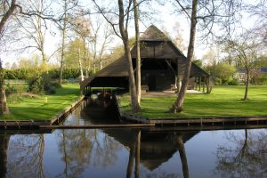 Boat house Giethoorn